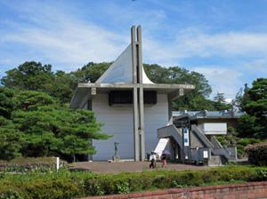 信濃美術館 教会の十字架のように見えませんか